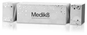 Medik8 lahjapakkaus, ihonpuhdistus ja seerumi